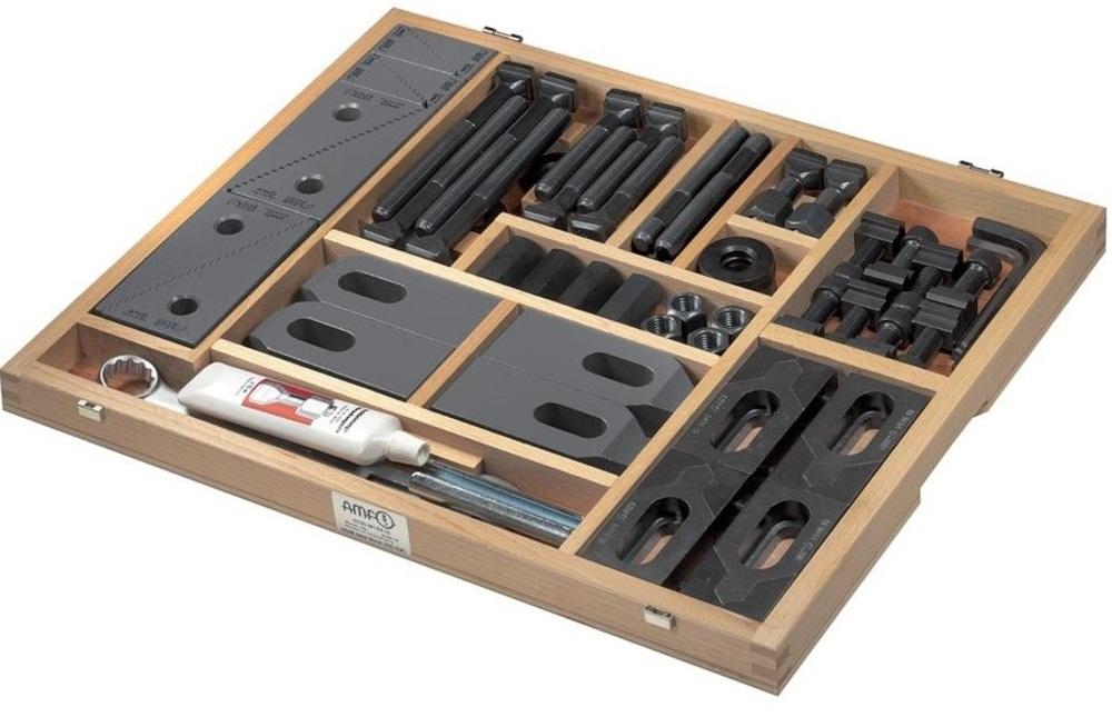 Alat stezni M12x12 u drvenoj kutiji (stepenaste podloge, vijci i stope) AMF